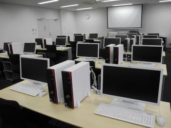 実習室(写真1)